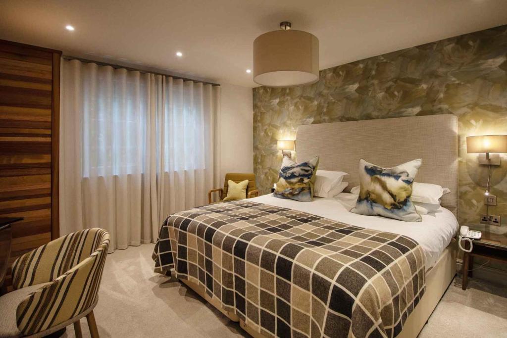 Briery Wood Hotel