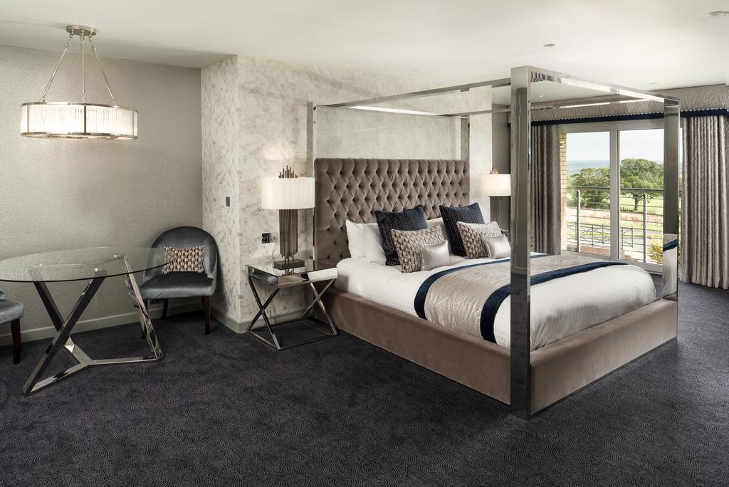 Radstone Hotel Larkhall